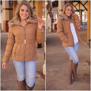 ✨LAST ONE✨Camel Faux Fur Collared Belted Jacket